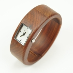 "Exclusive women watch ""KIBA 2"" made of maple wood"