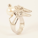 "Exclusive ring ""Greyhound LILLY & LILLY"" with real, white fresh water pearl"
